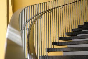 Historische Treppe im Schulgebäude